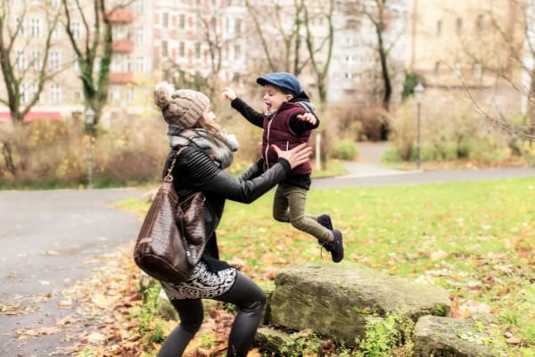Familienreportage-Berlin-Outdoorshooting